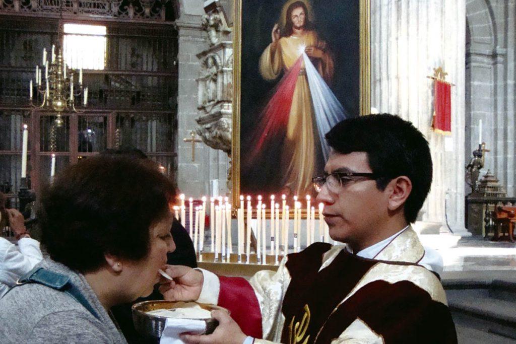El Padre Amado García es párroco de la iglesia del Santo Sepulcro. Foto: Desde la fe/